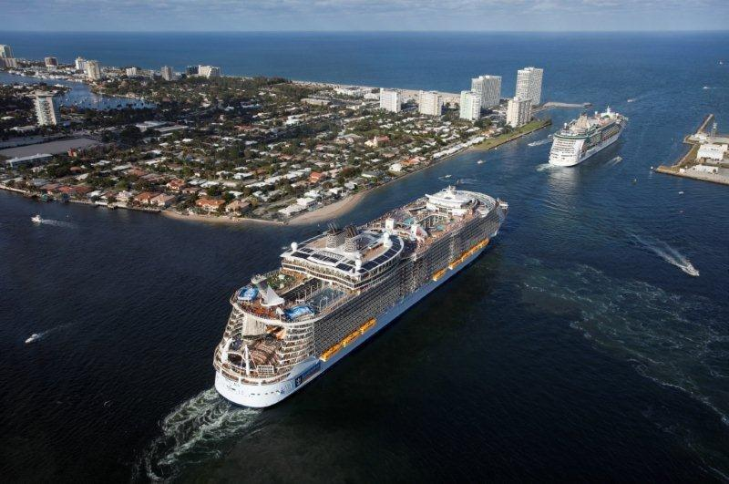 Oasis and Independence_Cruise Ships _Aerials