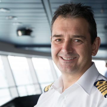 Thumbnail: Meet the Captain of Anthem of the Seas