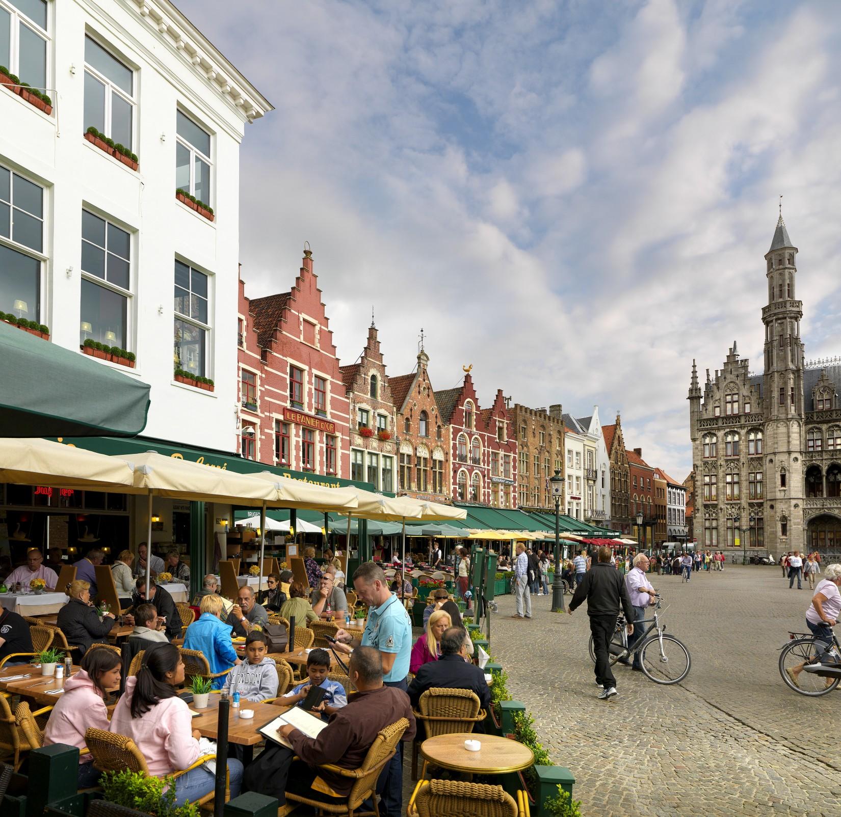 Bruges Walking Tour and Frietmuseum