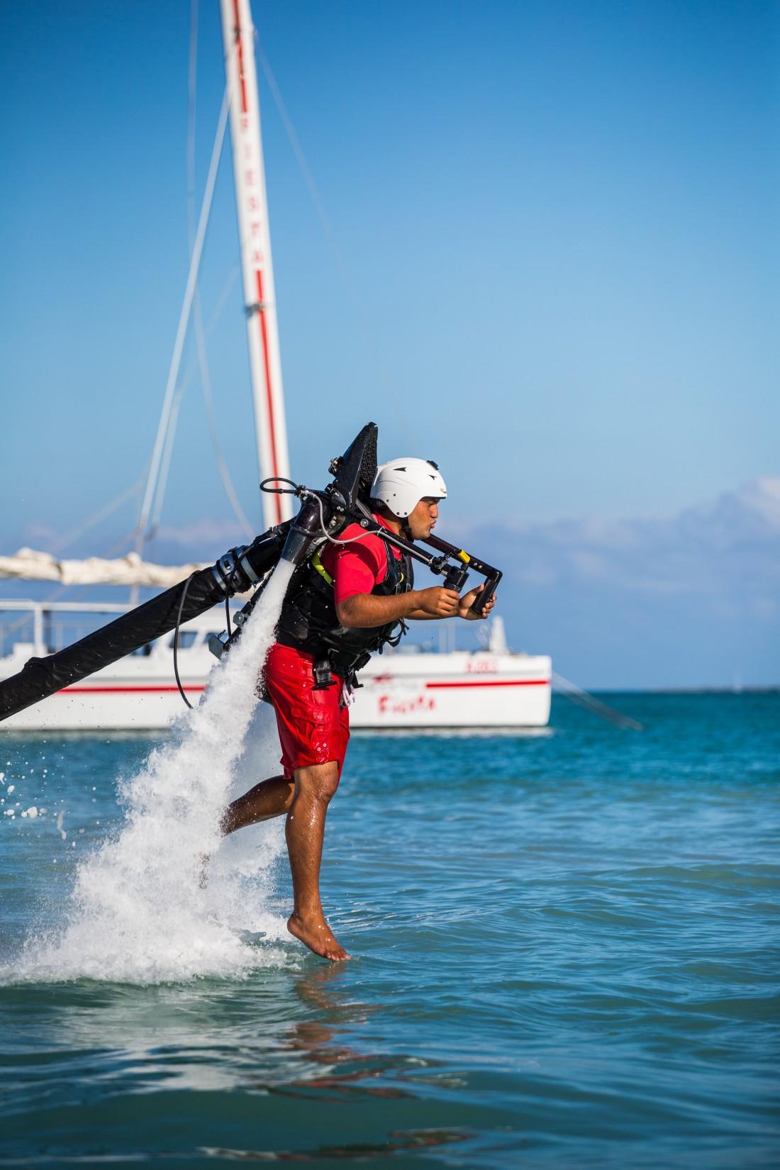 Jetlev-jetpack-royal-caribbean