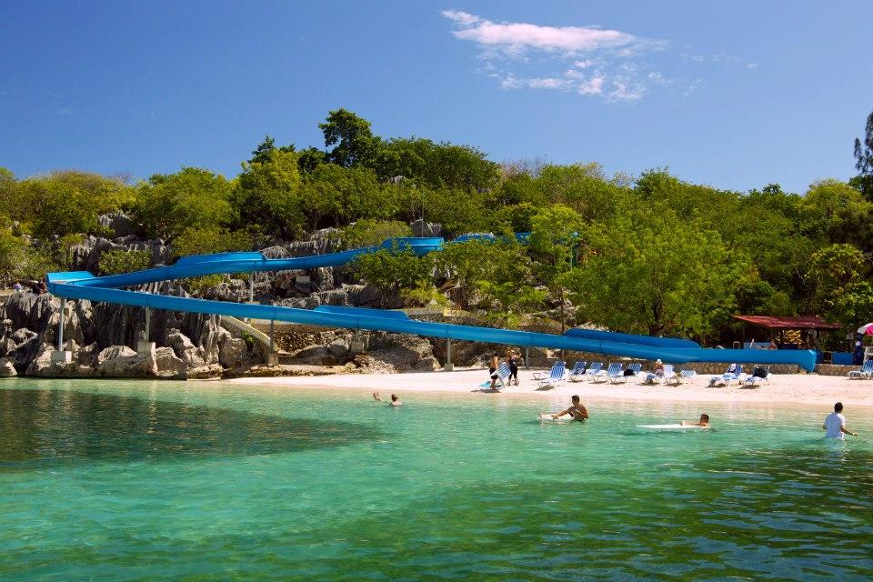 dragon-splash-water-slide-royal-caribbean