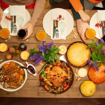 Thumbnail: How To Celebrate The Ultimate Friendsgiving